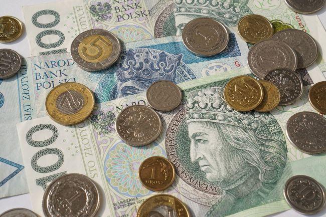 pieniądze - monety i gotówka