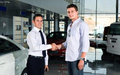 sprzedaż samochodu używanego